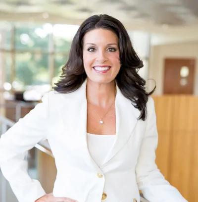 Dr Jennifer Yannucci